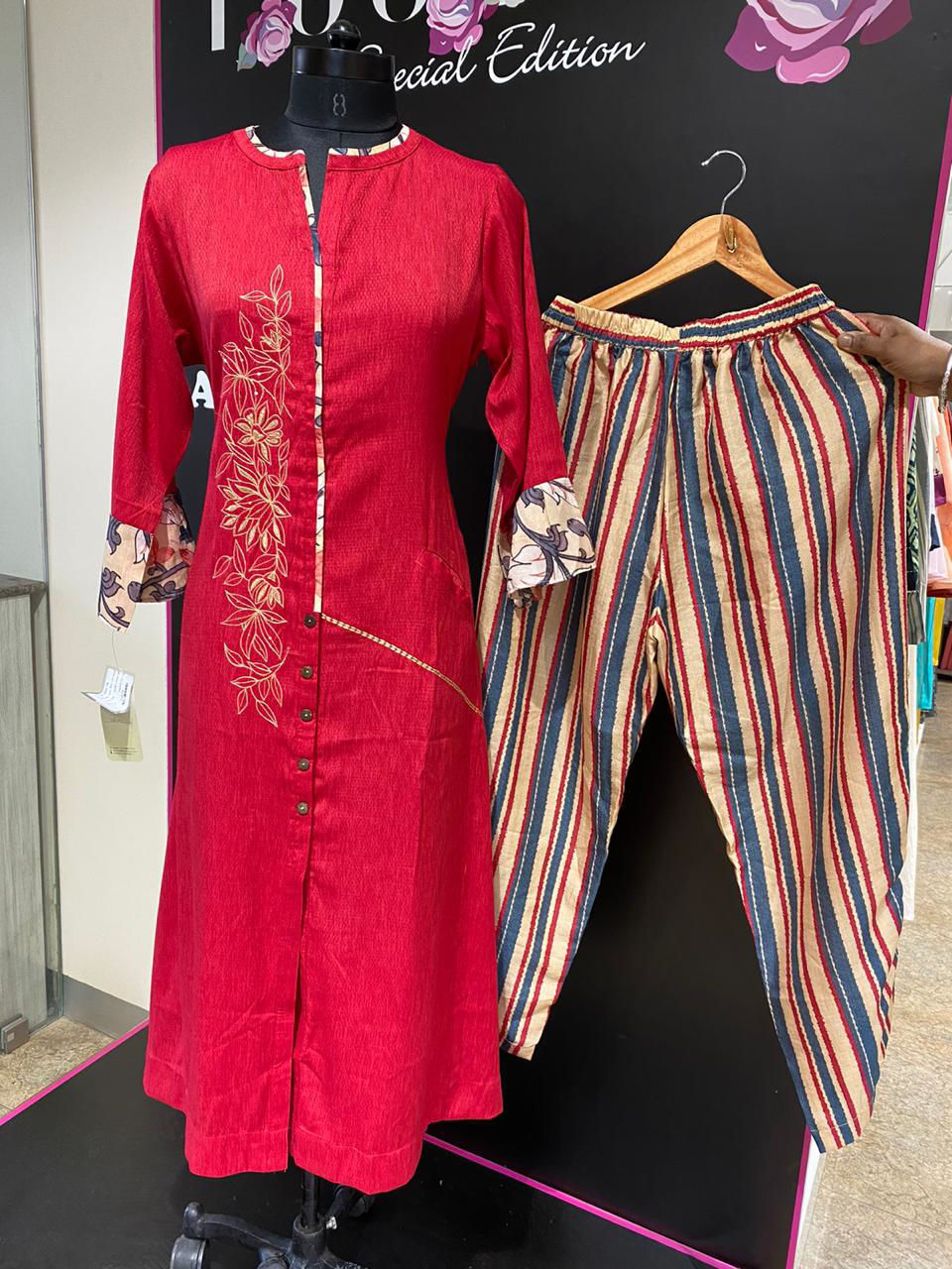 Picture of Straight Tunic In Silk With Bell Sleeves And Pant