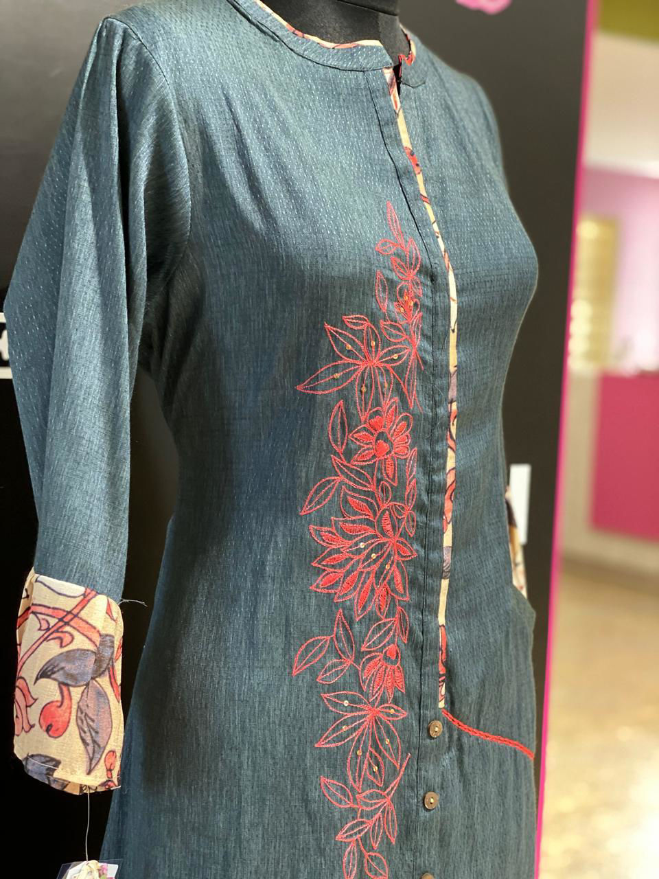 Picture of Straight Tunic In Silk With Bell Sleeves And Pant - Blue