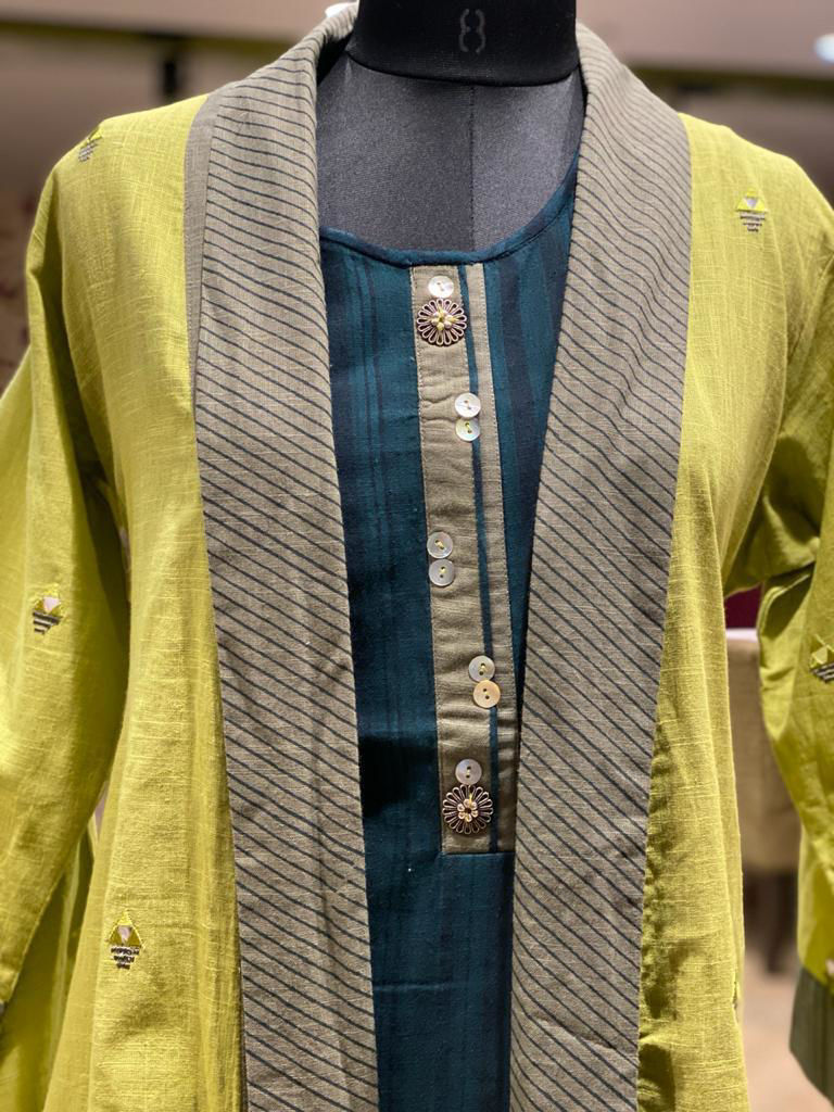 Picture of Sleeveless Tunic With Contrast Jacket And Palazzo