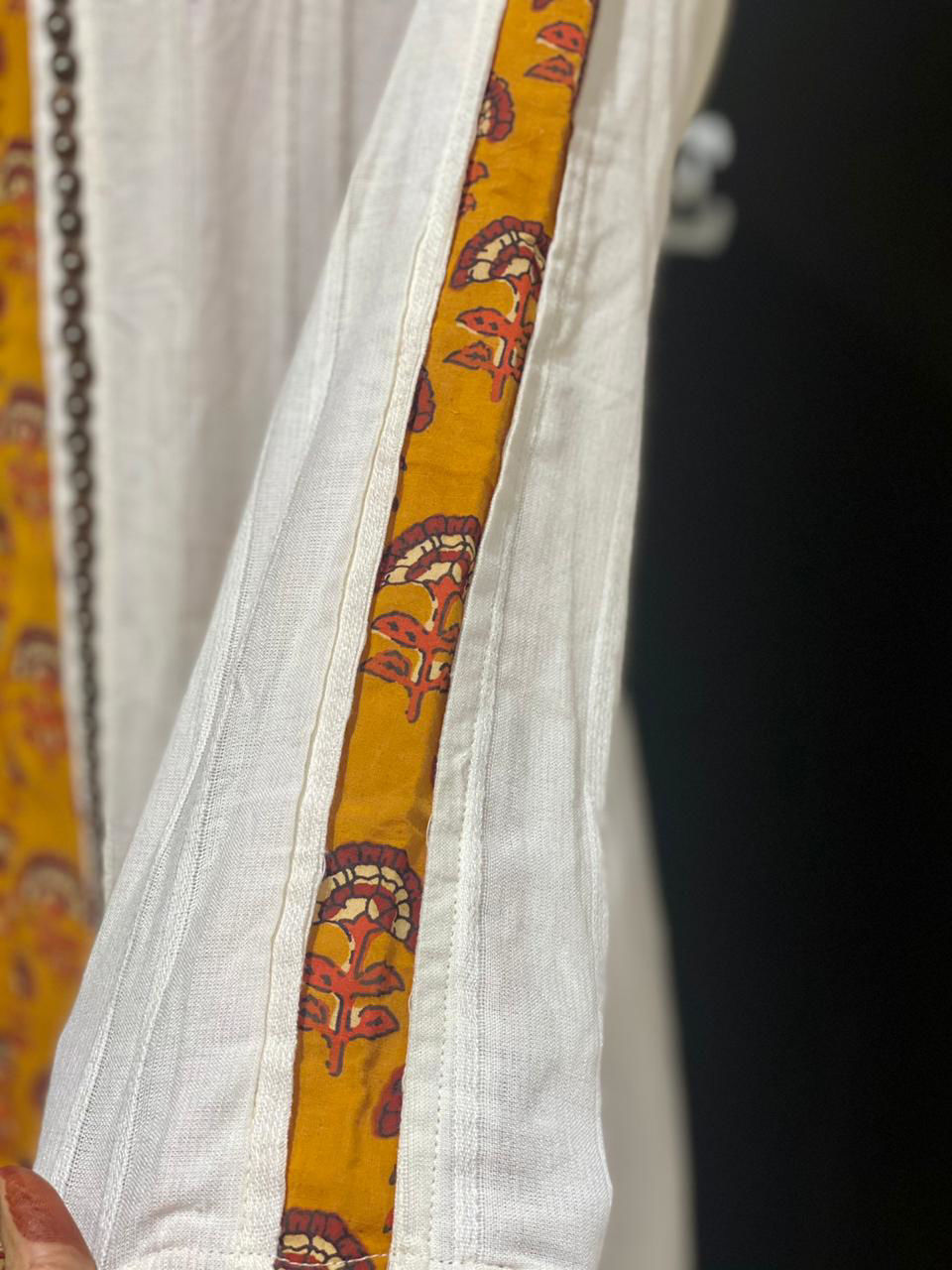Picture of Block Printed Sleeveless Tunic With Pants And Mal Jacket