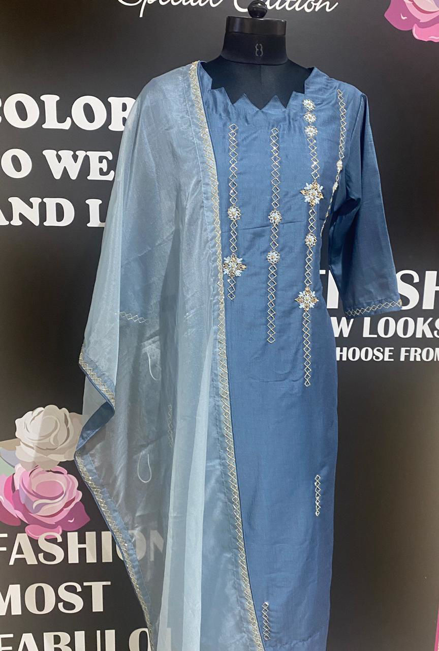 Picture of Soft Silk Tunic With Organza Dupatta,  Pants And Mask