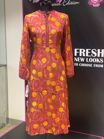 Picture of Soft Silk Contrast Printed Tunic In straight cut