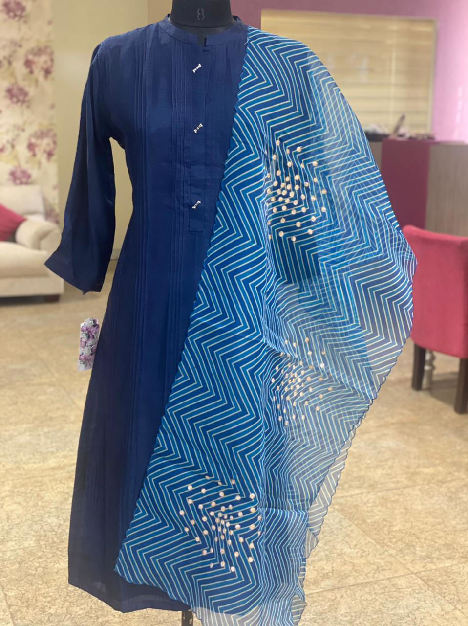 Picture of Plain Straight Cut Tunic In Silk With Pintux Detailing And Dupatta - Blue