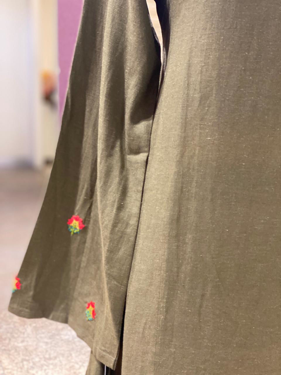 Picture of Indo-Western Long Tunic With Side Cowl And Embroidery On Sleeves