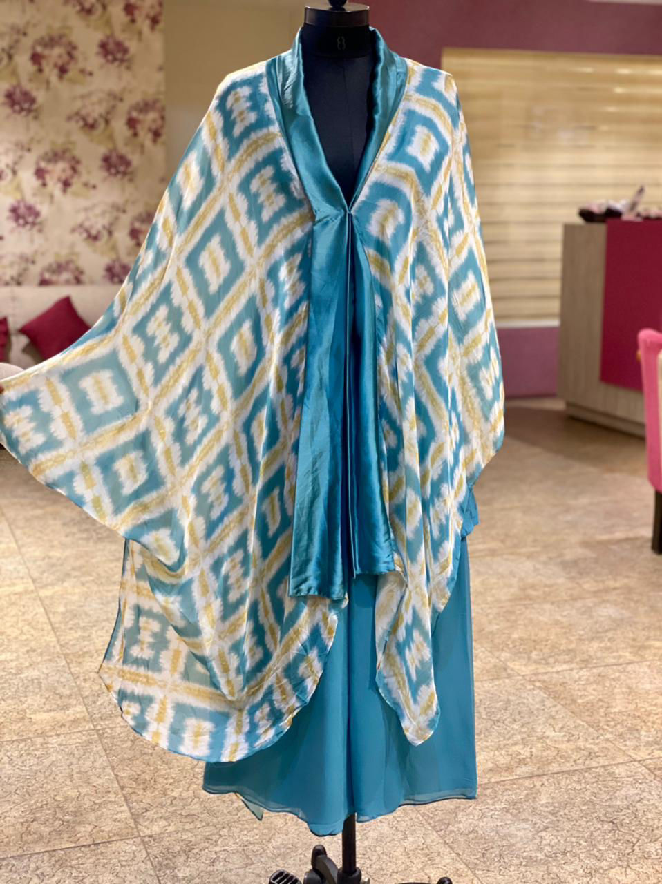Picture of Cape Style Tie And Tie Top In Silk Fabric With Georgette Solid Palazzo - Blue