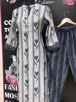 Picture of Soft straight cut silk tunic block printed with stripes pants