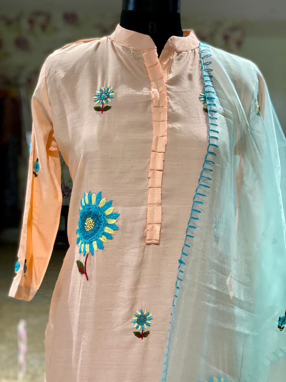 Picture of Straight cut tunic in silk with thread buti work and organza dupatta