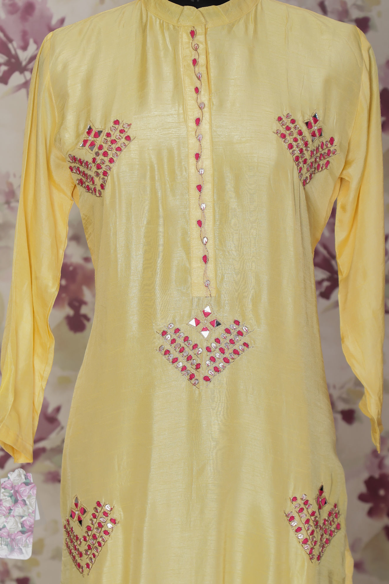 Picture of Silk kurta with bandhej duppata